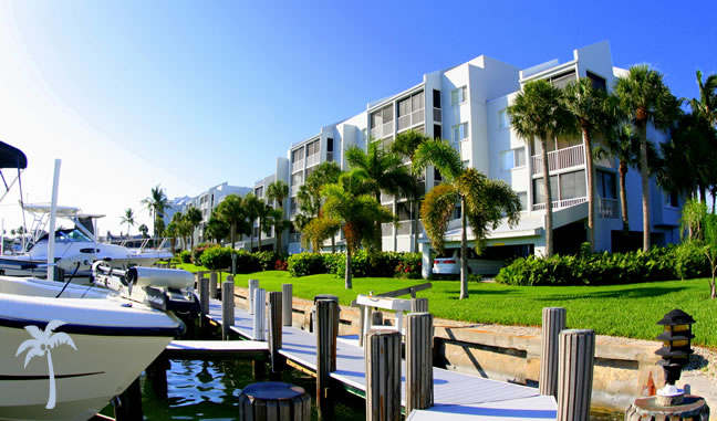 Eagle Cay condos on Marco Island