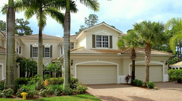 Naples Lakes Real Estate